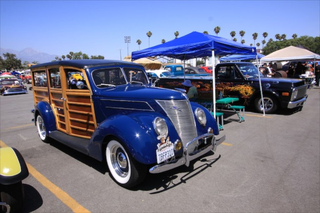 1937-Ford-woody