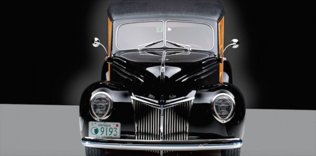 1939 Ford Deluxe Woody Station Wagon