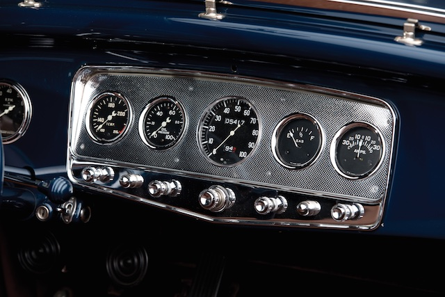 1932 Ford Lakes Roadster gauges