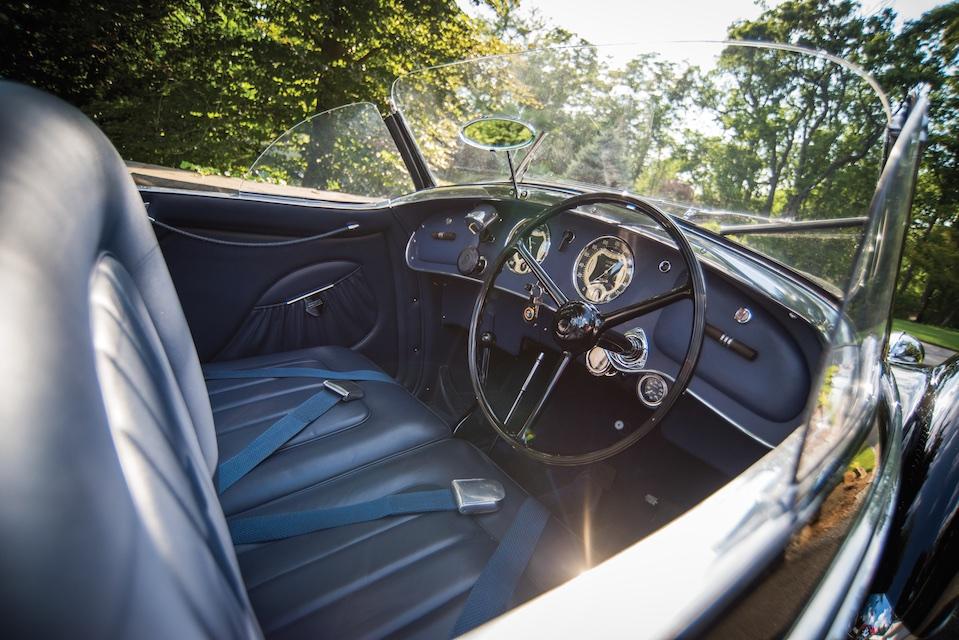 Alfa Romeo 8C 2900B cockpit