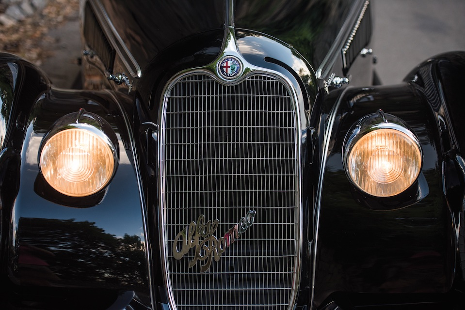 Alfa Romeo 8C 2900B lights